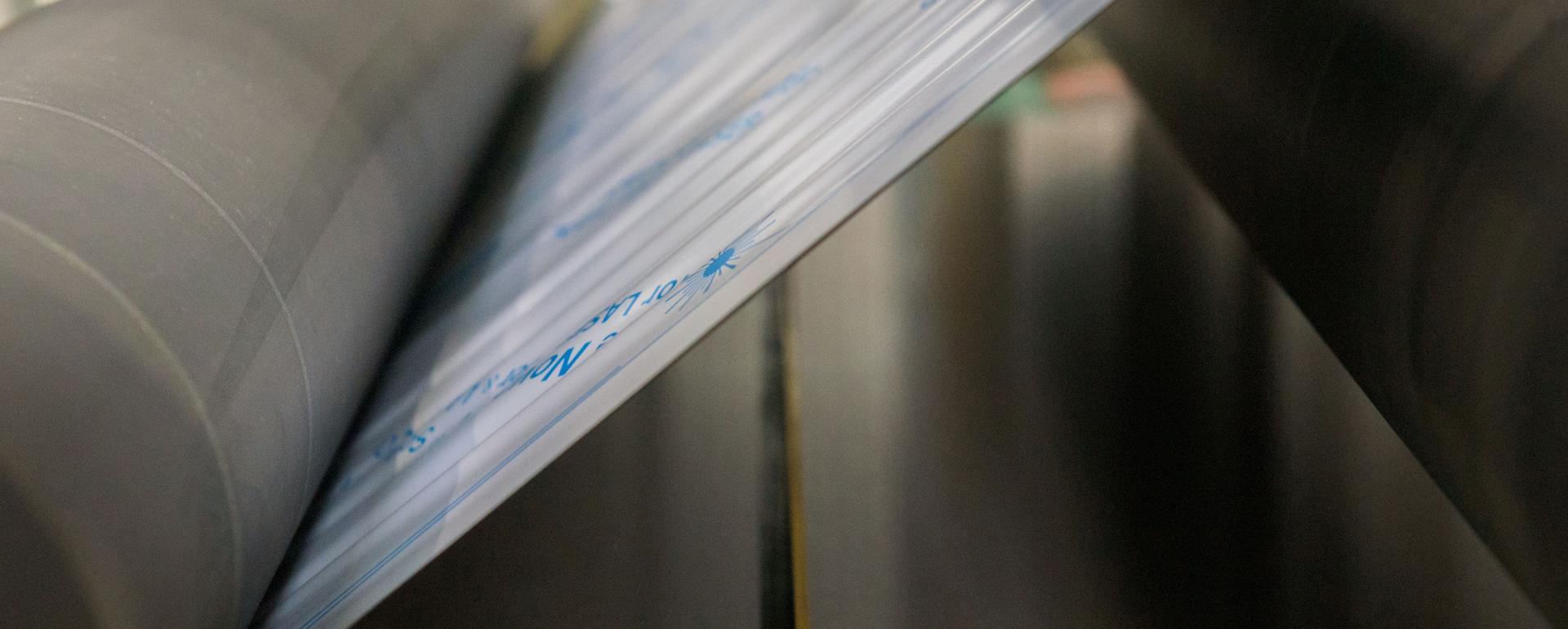IMEAS – linia  do produkcji arkuszy ze stali nierdzewnej o ustalonej chropowatości / rodzaju szlifowanej lub szczotkowanej powierzchni